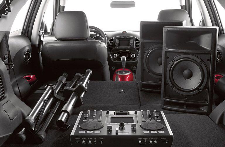 2017 Nissan Juke carrying speakers in back