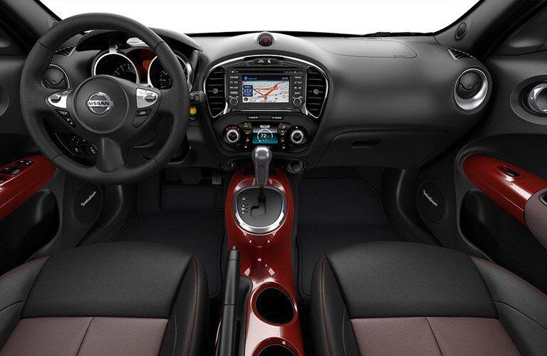 2017 Nissan Juke interior steering wheel and dashboard