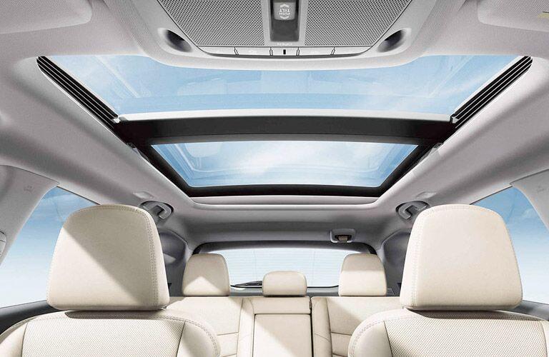 2017 Nissan Murano interior passenger space and moonroof