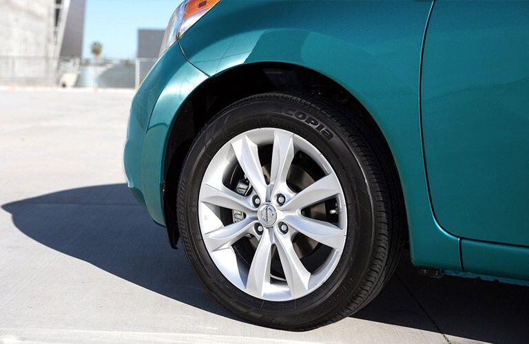 2017 Nissan Versa Note front wheel