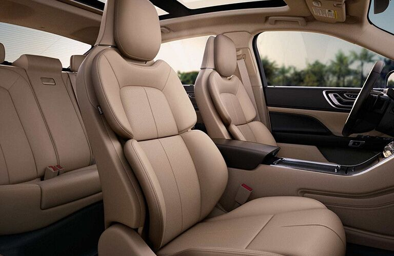 2018 Lincoln Continental interior front seats
