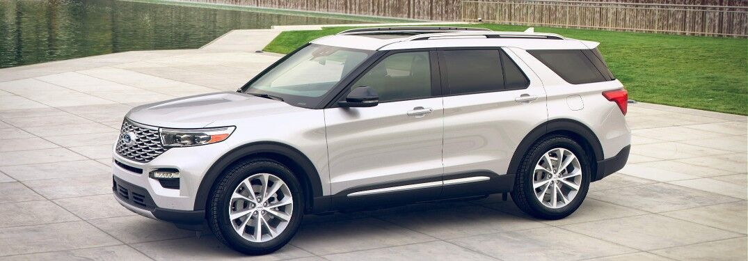 2021 Ford Explorer by city park water feature