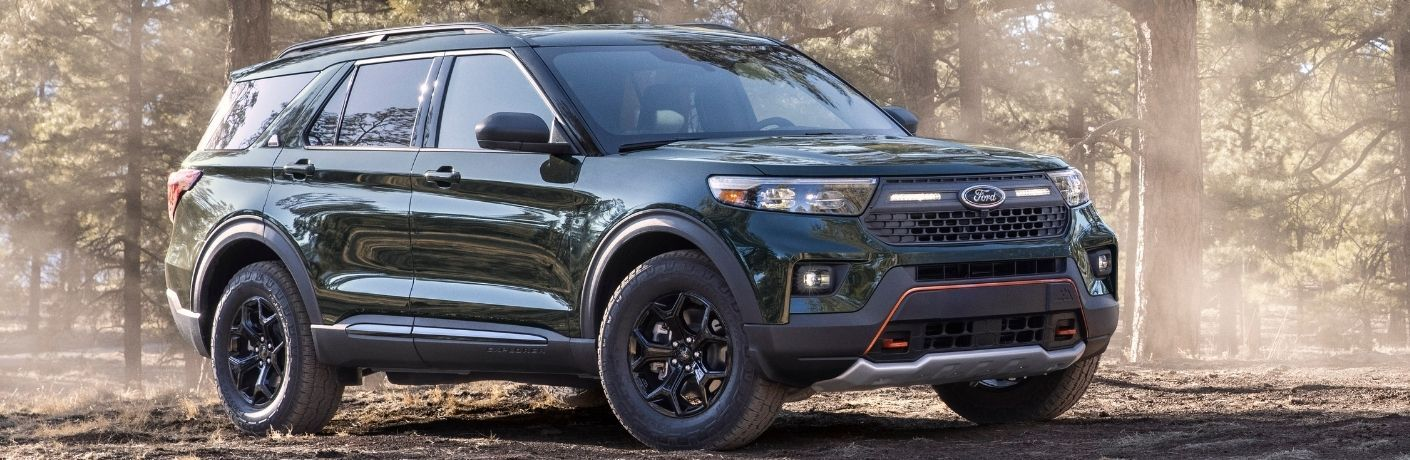 2022 Ford Explorer front quarter view