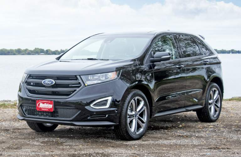2017 Ford Edge black side view