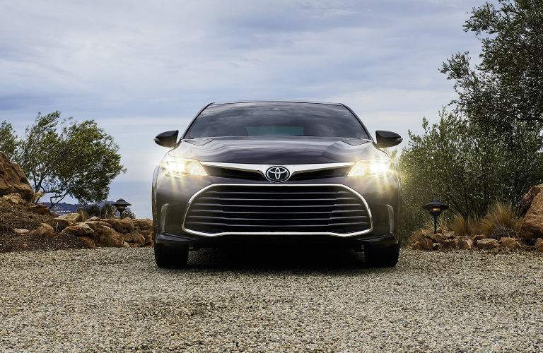 2018 Toyota Avalon Exterior View of Front End and Grille