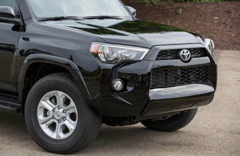 2018 Toyota 4Runner grille and headlights