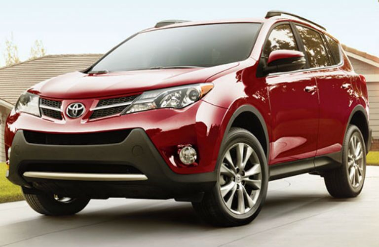 2015 Toyota RAV4 Vs 2015 Nissan Rogue Serra Toyota