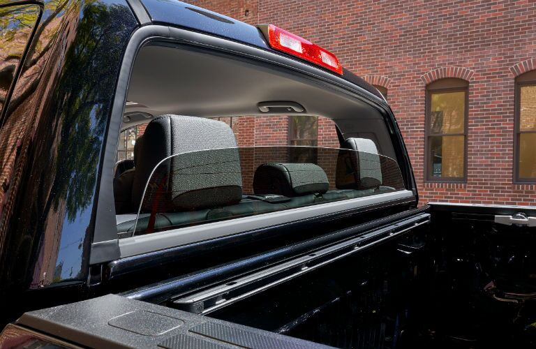 Power-sliding rear window of the 2019 Toyota Tundra