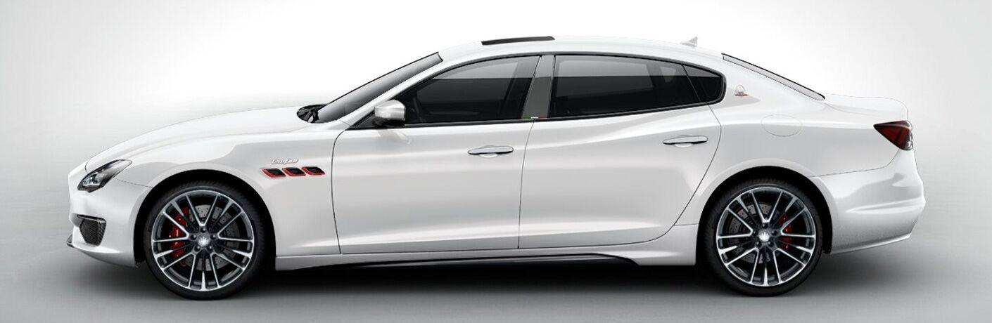 2021 Maserati Quattroporte Trofeo profile