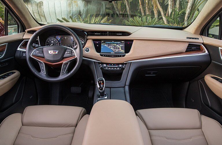 2017 Cadillac XT5 dashboard layout and design