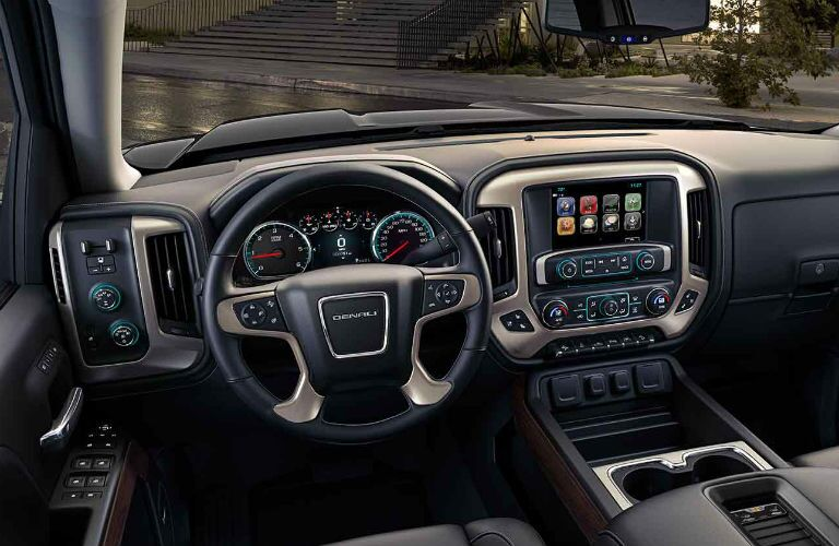 2018 GMC Sierra 1500 dashboard and infotainment system