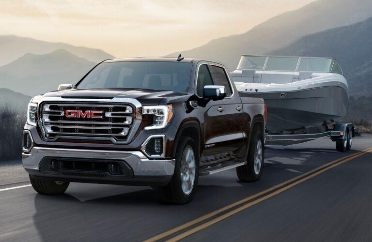 2018 GMC Sierra 1500 towing a boat front view