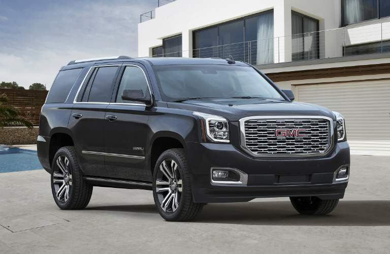 2018 GMC Yukon side view black