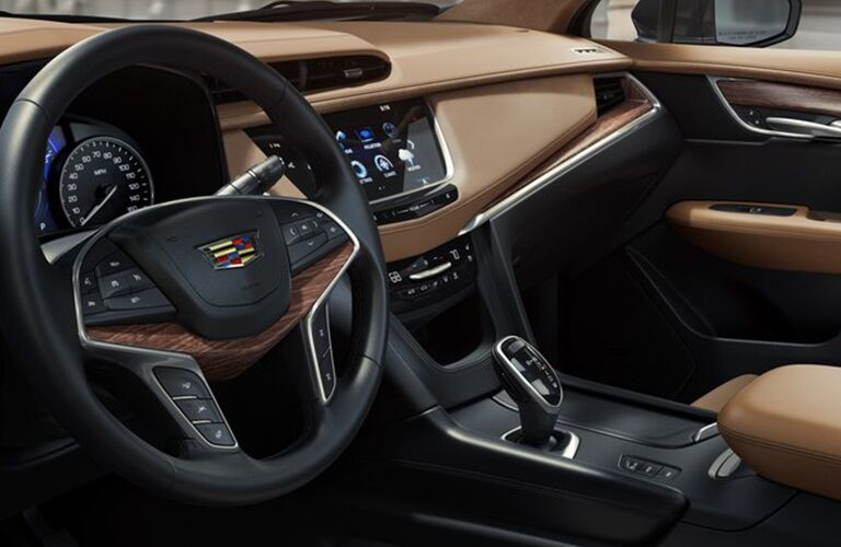 2019 Cadillac XT5 steering wheel and interior