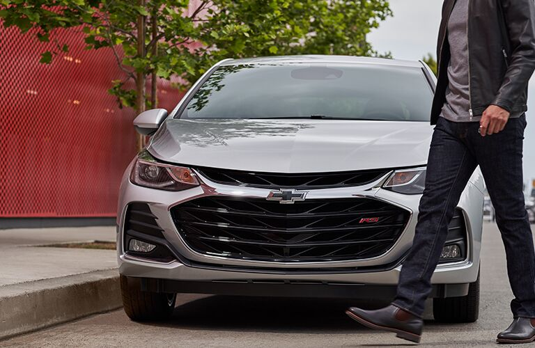 2019 Chevy Cruze RS silver front view