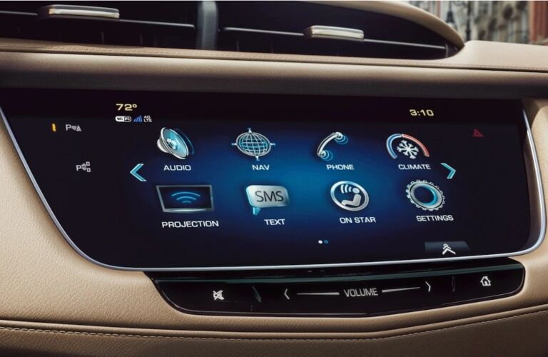 2019 Cadillac XT5 infotainment screen