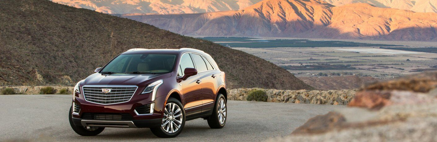 2019 Cadillac XT5 red front view