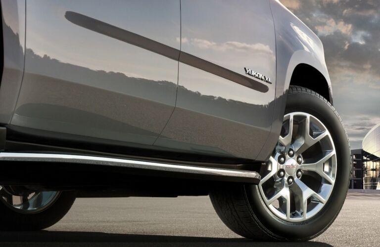 2019 GMC Yukon XL closeup silver