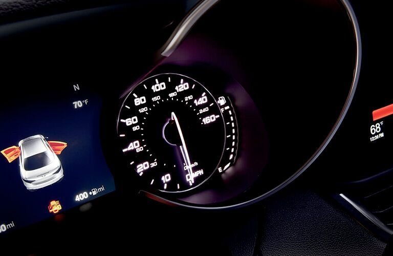 Speedometer and driver information display of 2018 Alfa Romeo Giulia