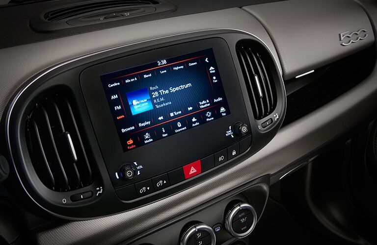 Infotainment System Touchscreen of 2018 FIAT 500L