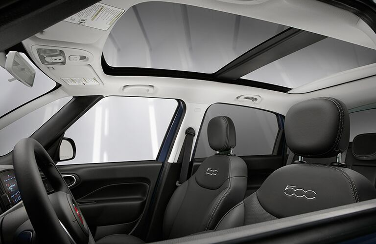 Sunroof, Steering Wheel, and Black Seats of 2018 FIAT 500L