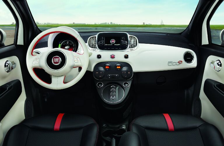 Front two-toned dashboard of Fiat 500e