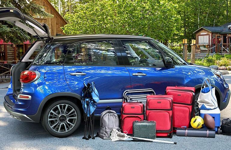 2019 FIAT 500L with cargo