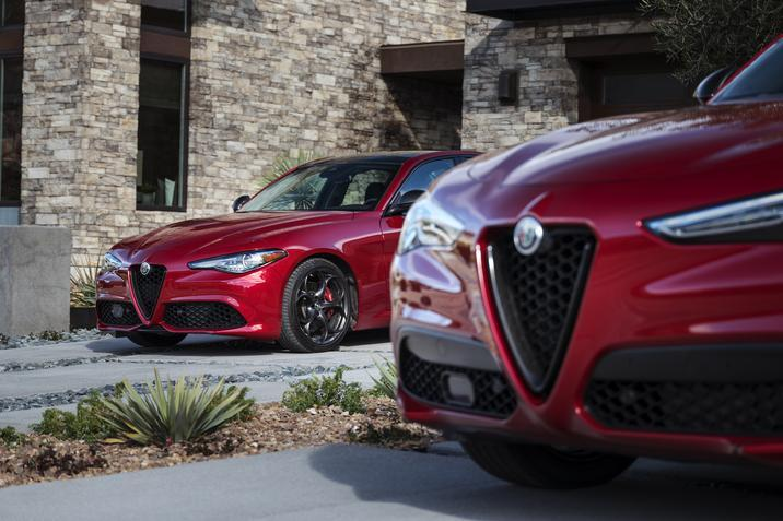 2019 Alfa Romeo Giulia red paint color