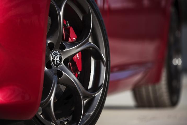 2019 Alfa Romeo Giulia wheel