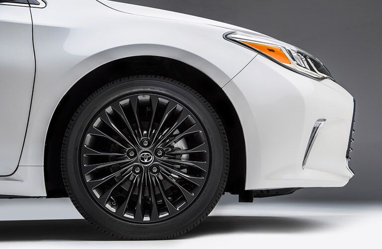 Closeup of wheel on 2016 Toyota Avalon