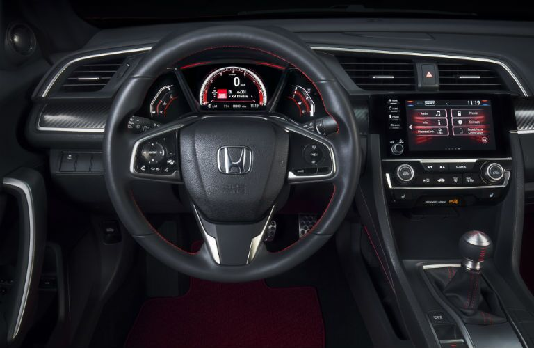 driver dash and infotainment system of a 2019 Honda Civic Si