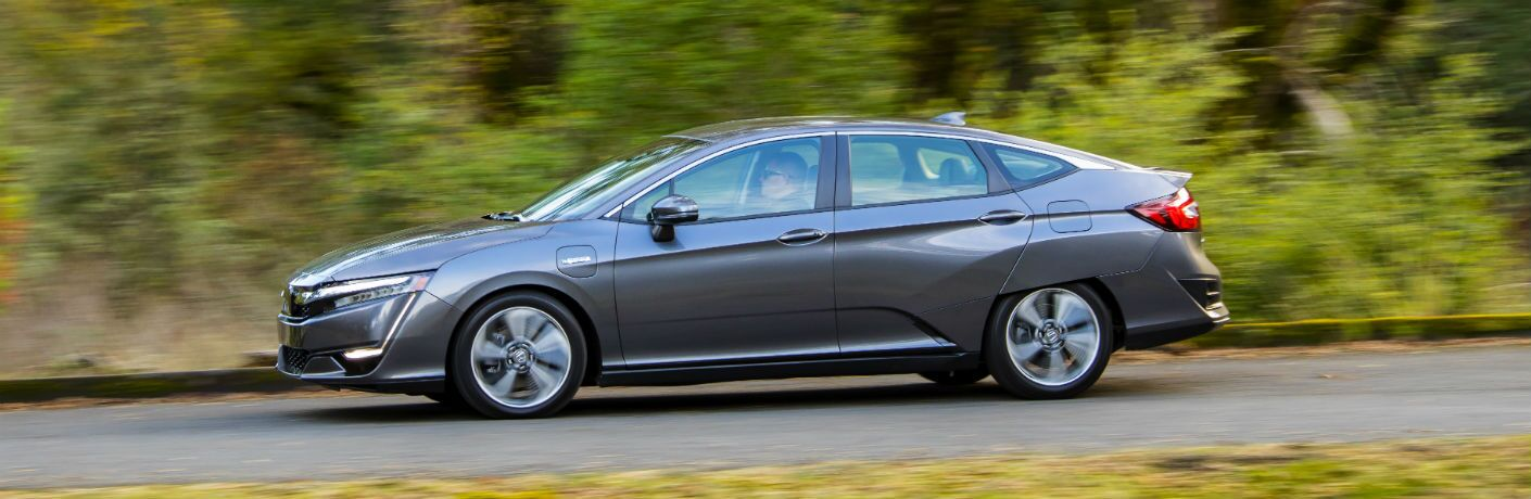side view of a gray 2019 Honda Clarity Plug-In Hybrid