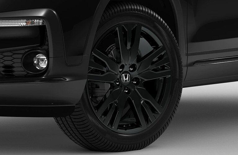 Black 2021 Honda Pilot wheels
