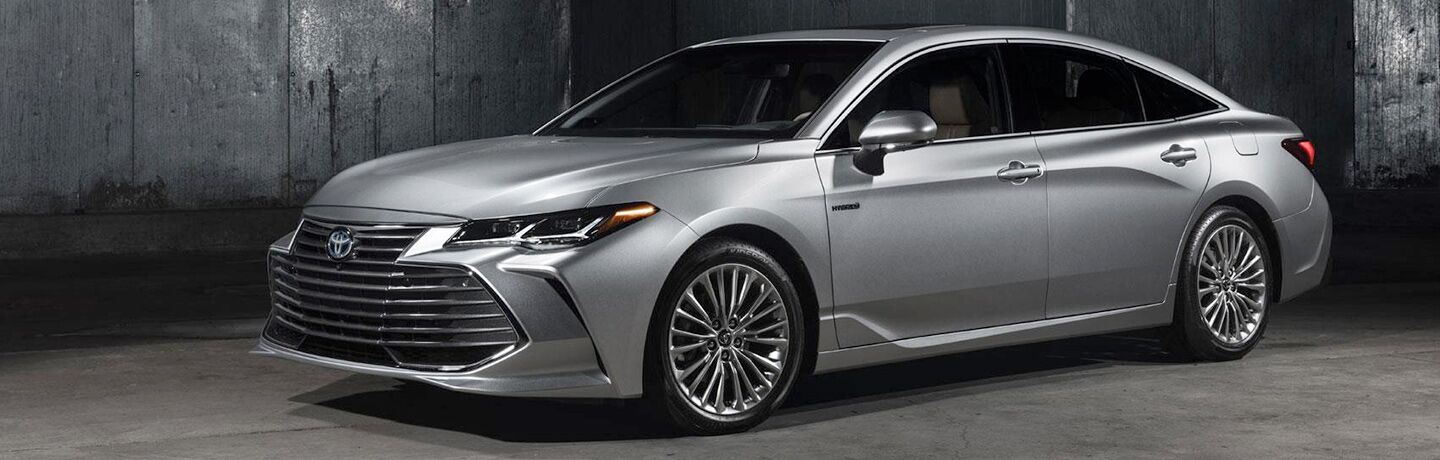 side view of a silver 2019 Toyota Avalon Hybrid
