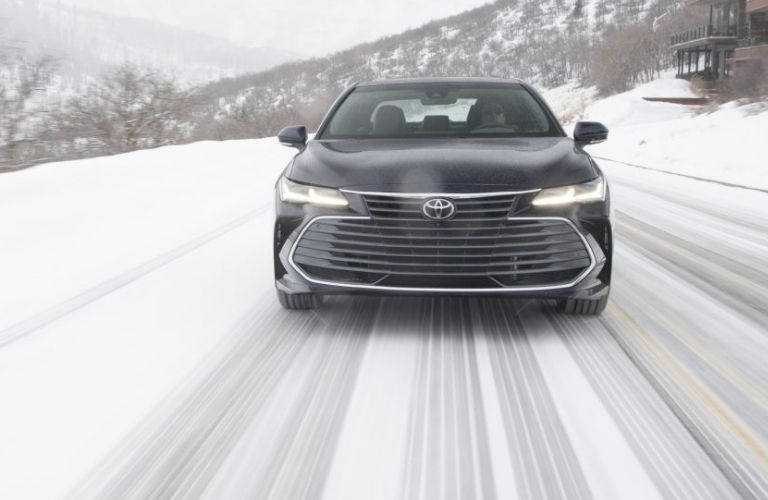 2021 Toyota Avalon front view