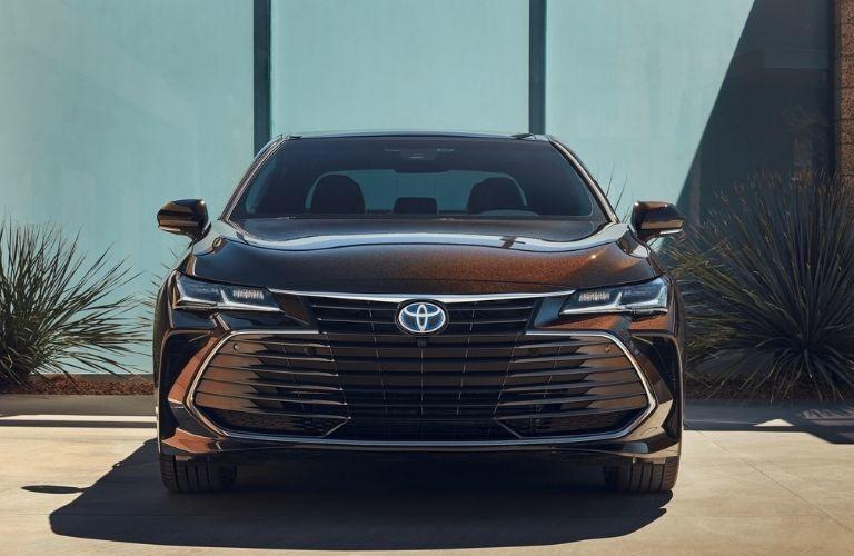 Head-on view of 2021 Toyota Avalon Hybrid