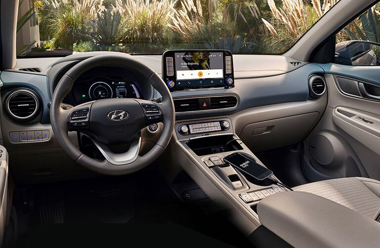 driver dash and infotainment system of a 2019 Hyundai Kona