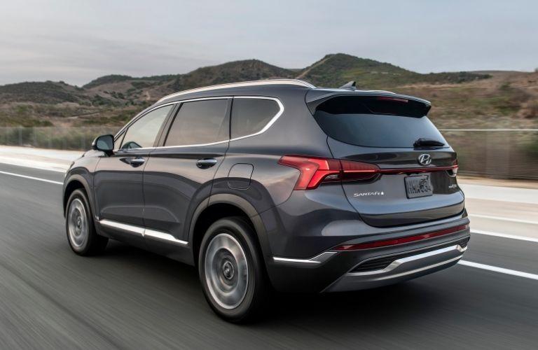 2022 Hyundai Santa Fe rear quarter view