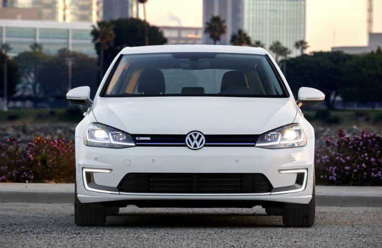 White Volkswagen Golf front view
