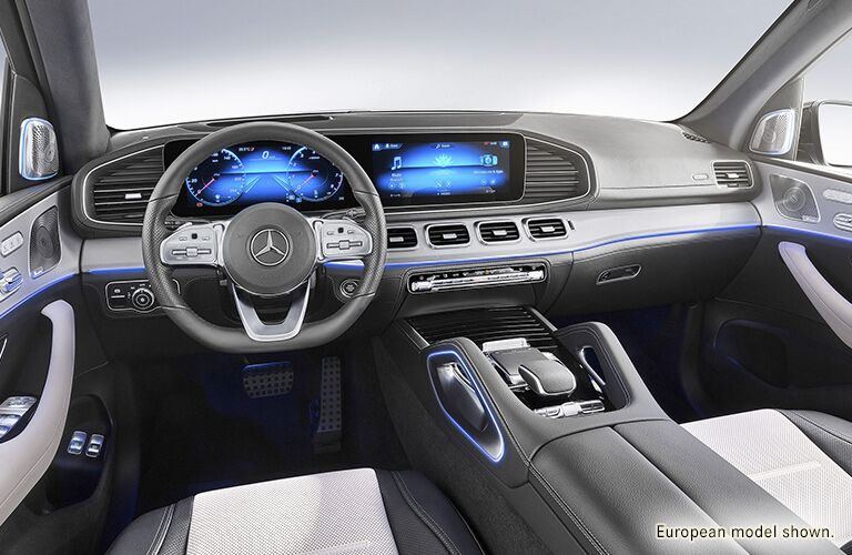 front interior of a 2020 Mercedes-Benz GLE SUV
