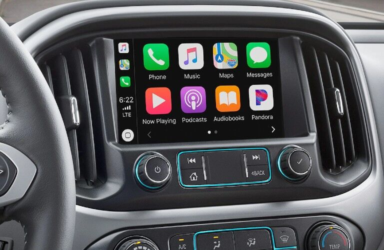 2021 Chevrolet Colorado touchscreen with Apple CarPlay