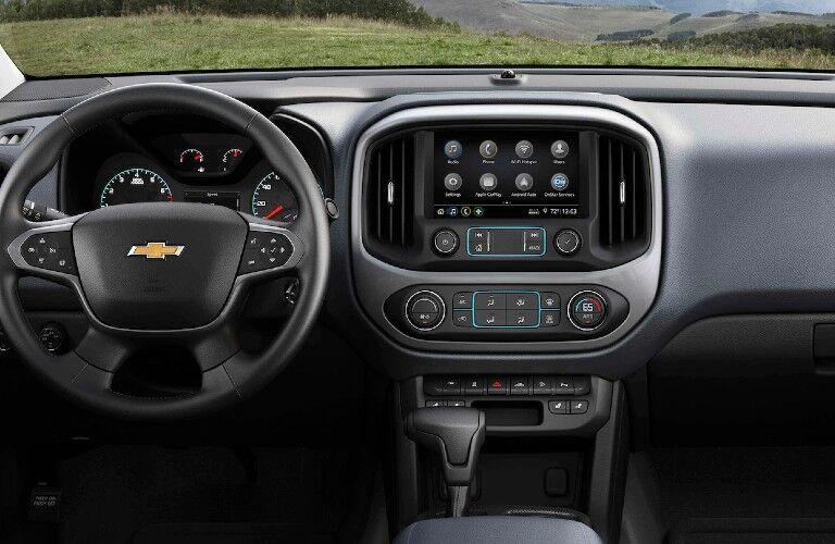 2021 Chevrolet Colorado dashboard and steering wheel
