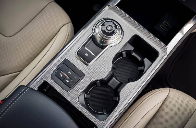 2021 Ford Edge center console