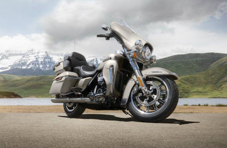 Silver 2018 Harley-Davidson Electra Glide Ultra Classic