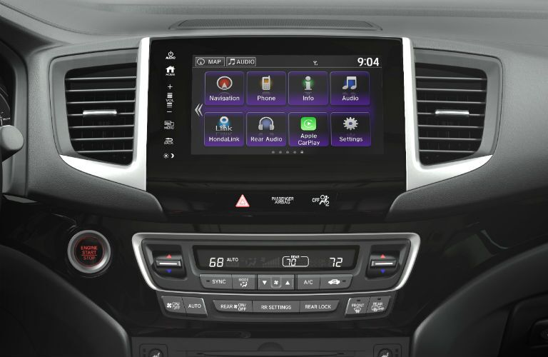 Color touchscreen of the 2018 Honda pilot