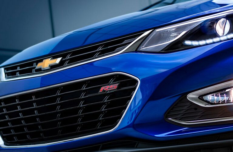 grille of blue 2018 chevrolet cruze