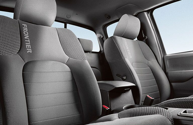 2018 Nissan Frontier front seats