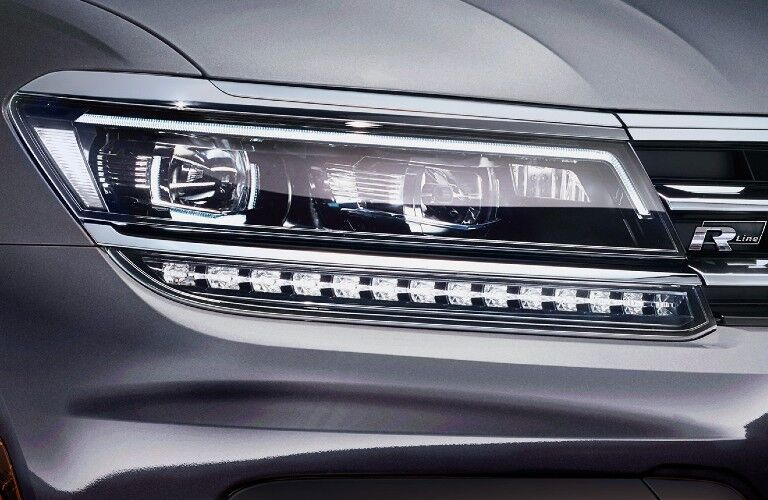 2021 Volkswagen Tiguan headlight