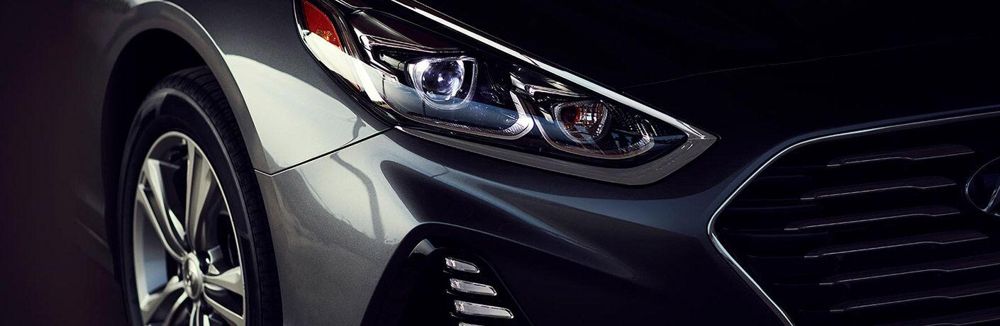 headlight of a hyundai sonata vehicle