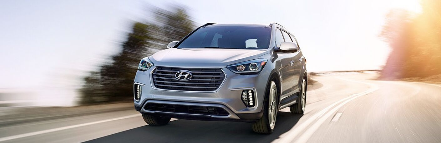 2019 hyundai santa fe xl full view driving